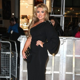 Lauren Goodger in The Twilight Saga's Breaking Dawn Part I UK Film Premiere - Arrivals
