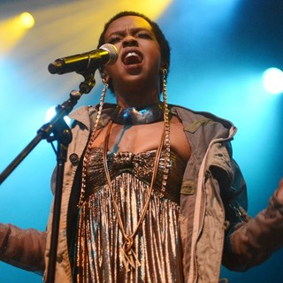 Lauryn Hill Performs Live