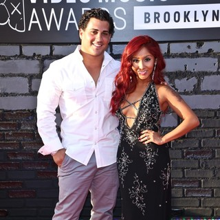 Jionni LaValle, Snooki in 2013 MTV Video Music Awards - Arrivals