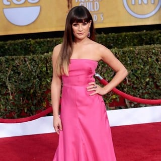 Lea Michele in 19th Annual Screen Actors Guild Awards - Arrivals - lea-michele-19th-annual-screen-actors-guild-awards-02