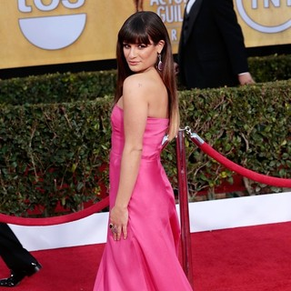 Lea Michele in 19th Annual Screen Actors Guild Awards - Arrivals - lea-michele-19th-annual-screen-actors-guild-awards-05