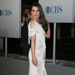 Lea Michele in 2012 People's Choice Awards - Arrivals