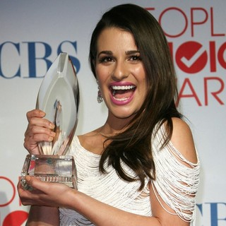 Lea Michele in 2012 People's Choice Awards - Press Room