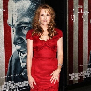 Lea Thompson in AFI Fest 2011 Opening Night Gala World Premiere of J. Edgar