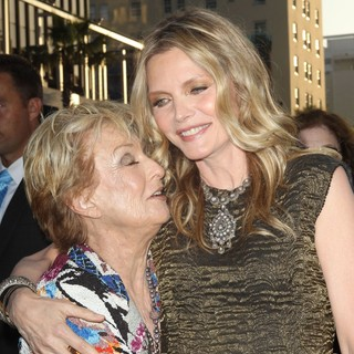 Cloris Leachman, Michelle Pfeiffer in Dark Shadows Premiere