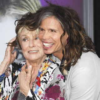 Cloris Leachman, Steven Tyler in Dark Shadows Premiere