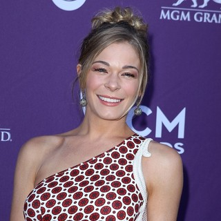 LeAnn Rimes in 2012 ACM Awards - Arrivals