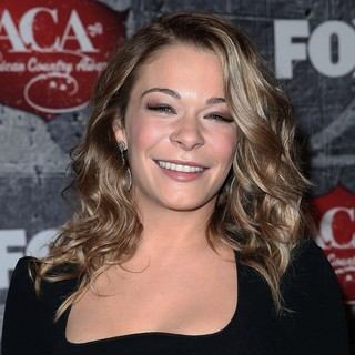 LeAnn Rimes in 2012 American Country Awards - Arrivals
