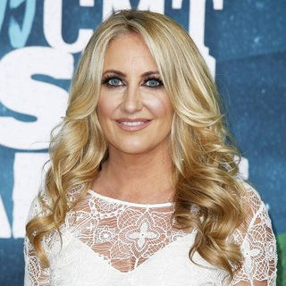 Lee Ann Womack in 2015 CMT Music Awards - Arrivals