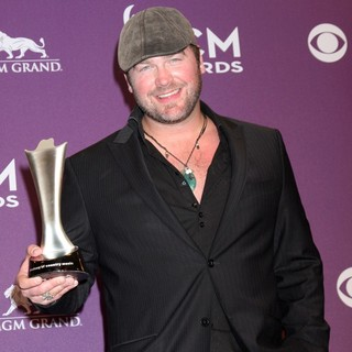 Lee Brice in 2012 ACM Awards - Press Room