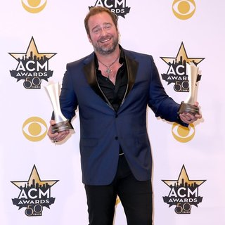 Lee Brice in 50th Academy of Country Music Awards - Press Room