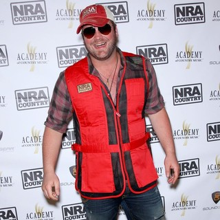 Lee Brice in NRA Country ACM Celebrity Shoot