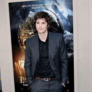 "Jim Sturgess in Los Angeles Premiere of ""Legend of the Guardians: The Owls of Ga'Hoole"""