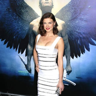 Adrianne Palicki in World Premiere of 'Legion'