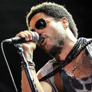 Lenny Kravitz in Lenny Kravitz Performs During 10 Giorni Suonati Festival