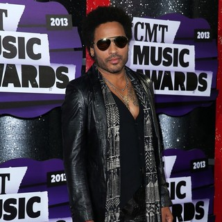Lenny Kravitz in 2013 CMT Music Awards - Arrivals