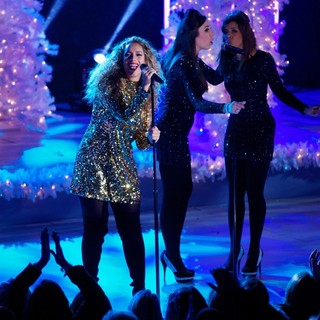 Leona Lewis in 81st Annual Rockefeller Center Christmas Tree Lighting Ceremony