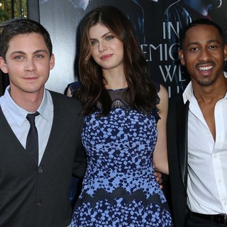 Logan Lerman in Percy Jackson: Sea of Monsters Premiere - lerman-daddario-jackson-premiere-percy-jackson-sea-of-monsters-02