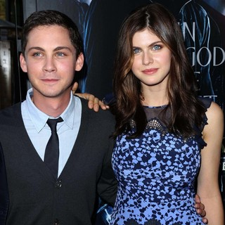 Logan Lerman in Percy Jackson: Sea of Monsters Premiere - lerman-daddario-premiere-percy-jackson-sea-of-monsters-01