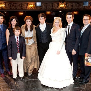 Joe Jonas, Jonas Brothers, Denise Jonas, Frankie Jonas, Samantha Barks, Nick Jonas, Camilla Kerslake, Kevin Jonas, Paul Kevin Jonas, Sr. in The Curtain Call for 'Les Miserables'