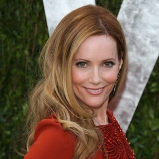 Leslie Mann in 2013 Vanity Fair Oscar Party - Arrivals - leslie-mann-2013-vanity-fair-oscar-party-05