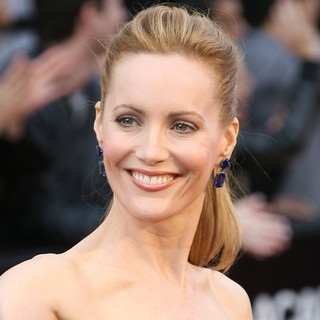 Leslie Mann in 84th Annual Academy Awards - Arrivals