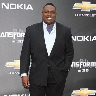 New York Premiere of Transformers Dark of the Moon - lester-speight-premiere-transformers-dark-of-the-moon-01