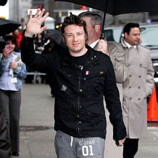 Jamie Oliver in Jamie Oliver outside the Ed Sullivan Theatre for the 'Late Show With David Letterman'