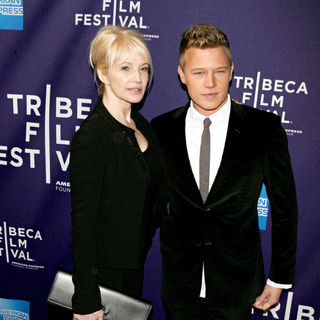 Ellen Barkin, Christopher Egan in 9th Annual Tribeca Film Festival - Premiere of 'Letters to Juliet' - Arrivals