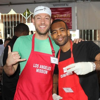 Zachary Levi, Mario in The Los Angeles Mission's Thanksgiving for Skid Row Homeless