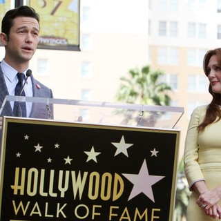 Joseph Gordon-Levitt, Julianne Moore in Julianne Moore Honored with Star at The Hollywood Walk of Fame