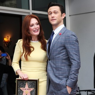 Julianne Moore, Joseph Gordon-Levitt in Julianne Moore Honored with Star at The Hollywood Walk of Fame