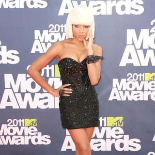 Lil Mama in 2011 MTV Movie Awards - Arrivals - lil-mama-2011-mtv-movie-awards-02