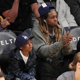 Lil Wayne - Lil Wayne at The Los Angeles Lakers Game with His Son