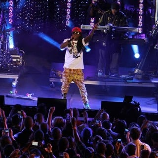 Lil Wayne in Escape to Total Rewards Los Angeles - Performances