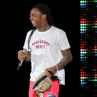 Lil Wayne - Lil Wayne Performs During The I Am Still Music Tour