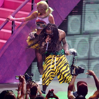 Lil Wayne Performing Live on The Nicki Minaj Tour