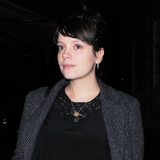 Lily Allen Leaving Lou Lou's in Mayfair After A Night Out - lily-allen-leaving-lou-lou-s-02