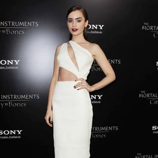Lily Collins in Premiere of Screen Gems and Constantin Films' The Mortal Instruments: City of Bones - lily-collins-premiere-the-mortal-instruments-city-of-bones-04