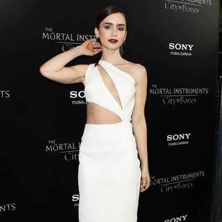 Lily Collins in Premiere of Screen Gems and Constantin Films' The Mortal Instruments: City of Bones - lily-collins-premiere-the-mortal-instruments-city-of-bones-05