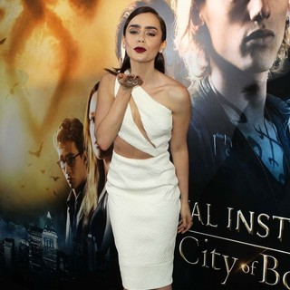 Lily Collins in Premiere of Screen Gems and Constantin Films' The Mortal Instruments: City of Bones - lily-collins-premiere-the-mortal-instruments-city-of-bones-08
