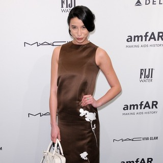 Lily Kwong in The amfAR Gala 2013
