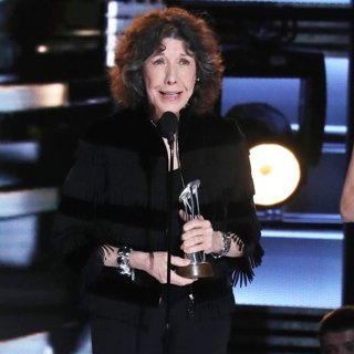 Lily Tomlin in 50th Annual CMA Awards - Performances