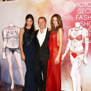 Showcase Dream Angels Fantasy Bra Design Exclusively for Victoria's Secret by Mouawad