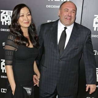 Deborah Lin, James Gandolfini in Los Angeles Premiere of Columbia Pictures' Zero Dark Thirty