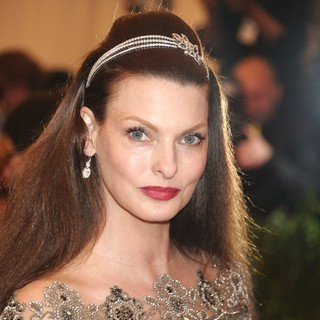 Linda Evangelista in PUNK: Chaos to Couture Costume Institute Gala