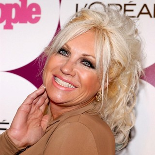Linda Hogan in People Magazine Post Grammy Party - Arrivals