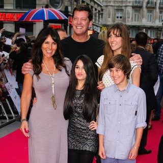 Linda Lusardi in UK Premiere of Katy Perry: Part of Me - Arrivals