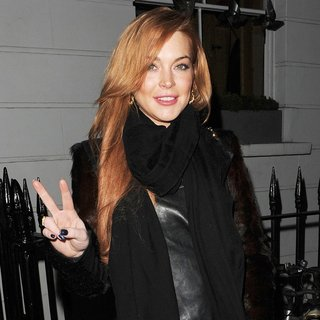 Lindsay Lohan in Lindsay Lohan Leaves A Male Friends House
