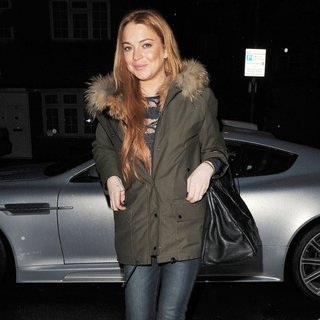 Lindsay Lohan - Lindsay Lohan Leaves The Private Residence